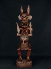 """Африканская статуэтка из красного дерева """"Бесогон"""" высотой 40 см"""