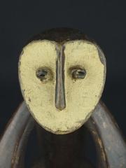 Культовая (ритуальная) фигура народности Lega под названием Iginga