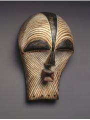 Маски и скульптуры народности Songue [Конго]