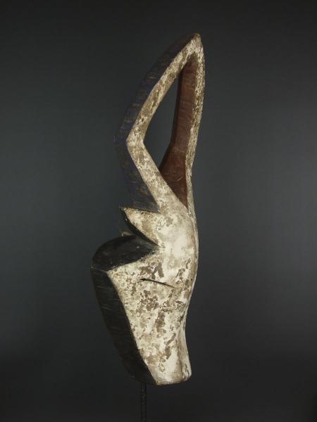 """Купить маску антилопы народности Kwele в галерее """"Афароарт"""""""
