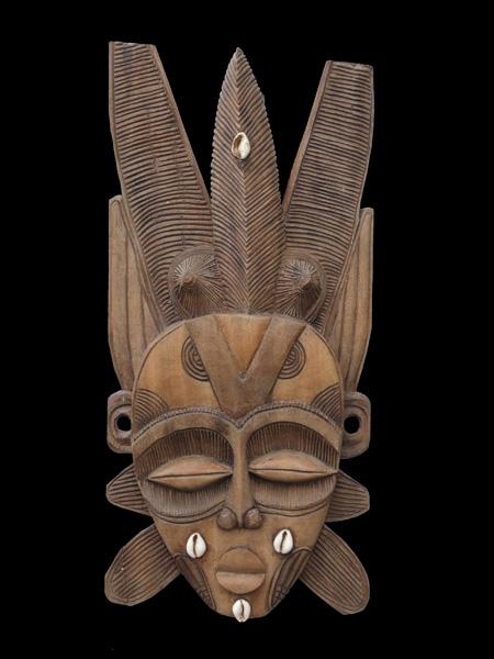 """Купить настенную декоративную маску из дерева """"Нежность"""""""