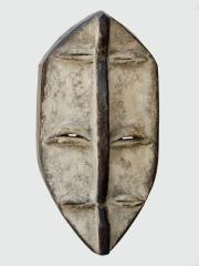 Африканская культовая маска народности Lega с шестью глазами
