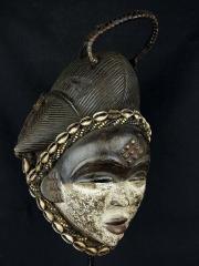 Эффектная и выразительная африканская маска народности Punu