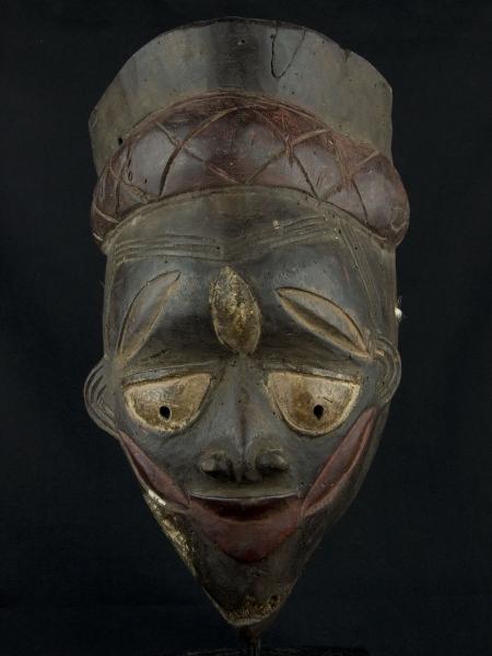 Ритуальная маска народности Yoruba, используемая в культе Gelede