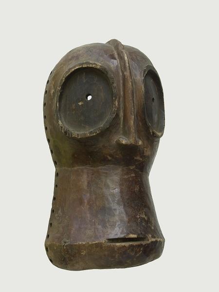 Ритуальная маска народности Bembe. Страна происхождения - Демократическая Республика Конго.
