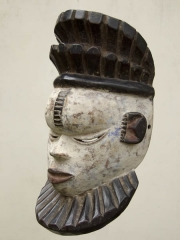 Красивая африканская маска Idoma