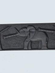 """Купить африканское панно из черного дерева """"Охота на слонов"""""""