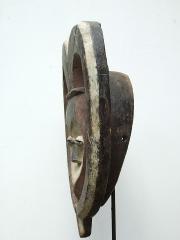 Ритуальная маска народности Kwele. Страна происхождения - Габон.