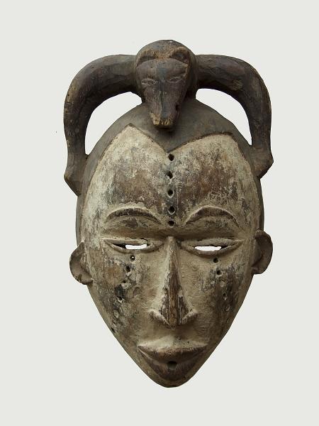 Культовая африканская маска народности Igbo. Страна происхождения - Нигерия