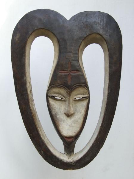 Ритуальная маска народности Kwele культа Bwete
