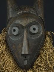 Ритуальная зооморфная маска Giphogo народности Pende