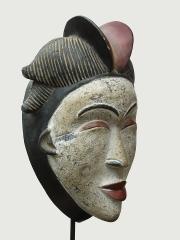 Ритуальная маска народности Punu