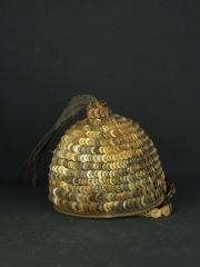 Шлем Bwami из пуговиц и волос хвоста слона Lega Hat Mukuba