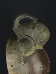 Маска народности Yaure - символ духовной энергии «Ю»