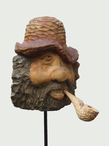 Панно «Курильщик». Материал - дерево. Размер 16*21 см. Вес 720 грамм.