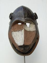 Маска народности Lega, изображающая обезьяну