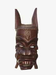 """Декоративная настенная маска из красного дерева """"Красное и белое"""""""