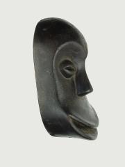МаскаSoko Mutu (лицо обезьяны) народности Hemba