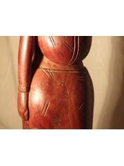 Статуэтка африканской женщины из красного дерева высотой 58 см