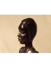 Статуэтка африканца из Мали, сделана из палисандра