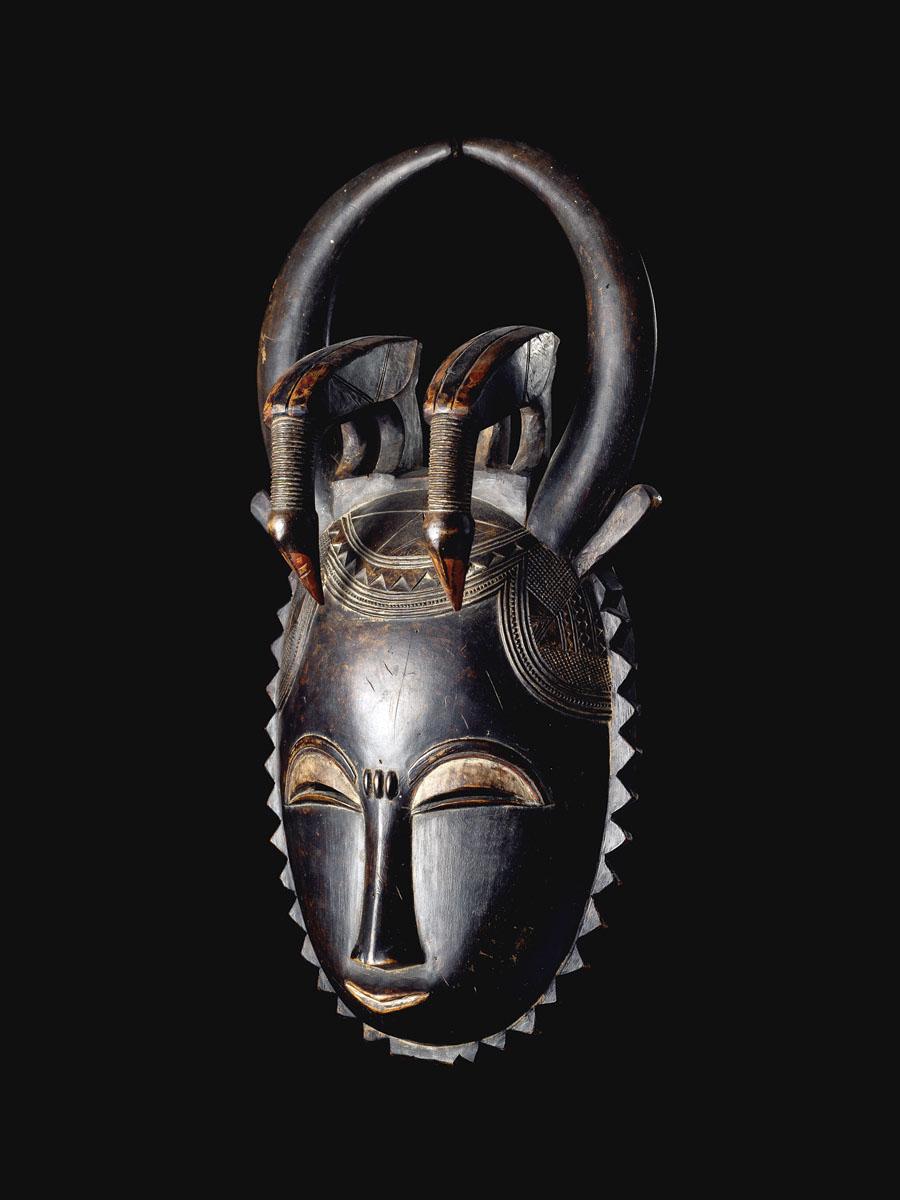 Маска Yaure из музея Барбье-Мюллера